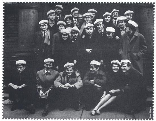Białe czapki są symbolem wrocławskich wydarzeń marca 1968 roku