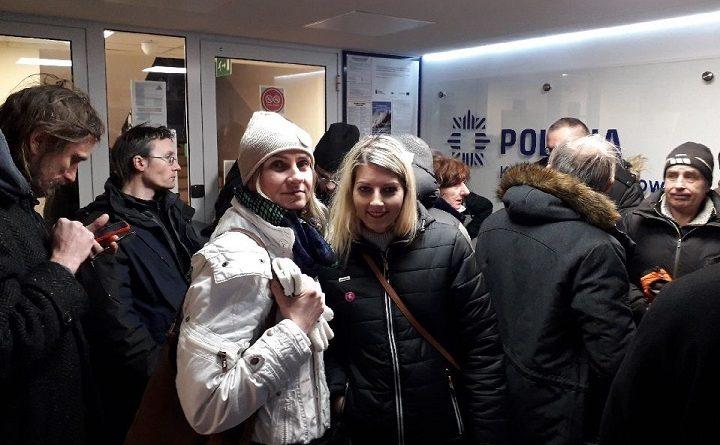 Obywatele RP zatrzymani na komendzie policji w Hajnówce