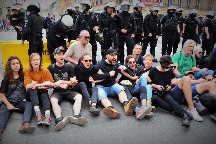 2018. Blokada marszu neofaszystów przezWarszawę