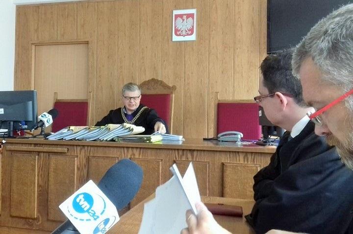 Sędzia Łukasz Biliński ogłasza wyrok