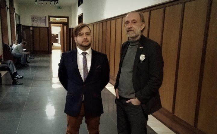 Wojciech Kinasiewicz z adwokatem Marcin Pawelcem