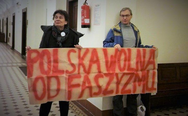 Ewa Trojanowska i Miłosz Kłosowicz w sądzie za blokadę marszu narodowców